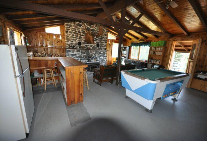 Chalet à louer l'Orignal au Club Gatineau salle de séjour